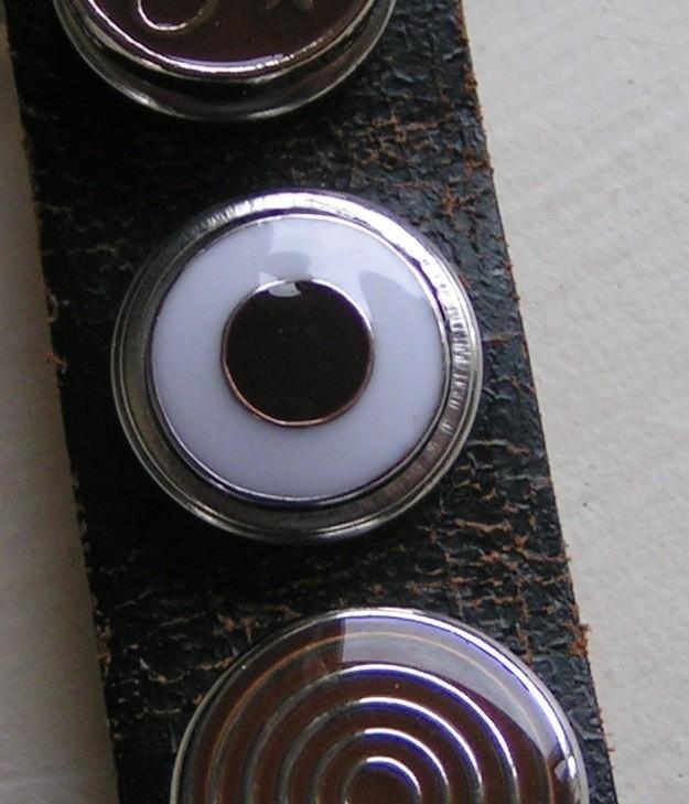 108 Clickbutton Dot - bruin