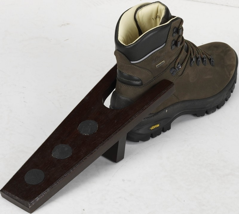 Laarzenknecht van hout