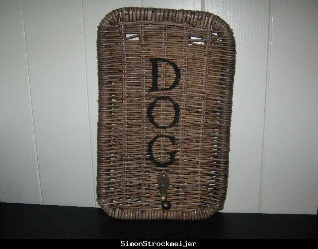 Dog belt hanger