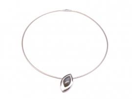 Zilveren 'schuine' hanger met maansteen