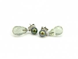 Zilveren oorstekers met zoetwaterparels en prasioliet