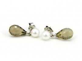 Zilveren oorstekers met parels en rookkwarts