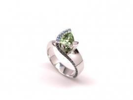 Witgouden ring met toermalijn en diamant