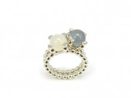 Set van 2 zilveren 'parelrand' ringen