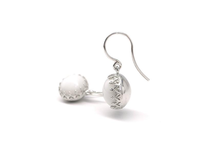 Zilveren oorhaken met kacholong opaal