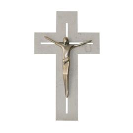 Kruis in natuursteen met corpus