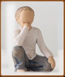 Jongen zittend:  Inquisitive Child