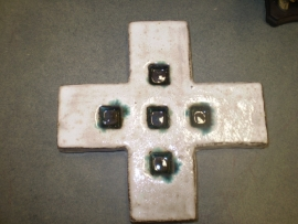 Kruis in keramiek