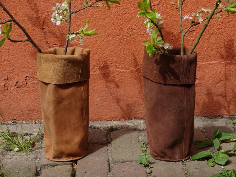 Little Multi Bag gemaakt van restleer uit de meubelindustrie