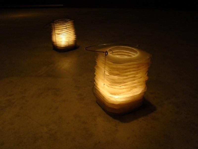 2 Fair trade lampionnen van Capiz (naturel en grijs)