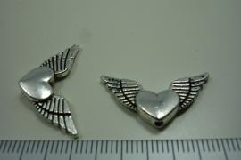 [ 0941 ] Vleugel met hart 25 mm. metaal Zilverkleur, per stuk