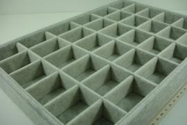 *[ 9308 ] 36  vaks Open bak 35 x 24 x 3 cm. Grijs Fluweel
