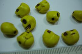 [0751 ] Doodshoofd kraal 10 mm. Geel met zwarte ogen, per stuk