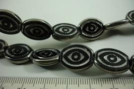 [ 6488 ] Glas kraal Ovaal 17 x 14 mm. Zwart met Zilverrand, 19 stuks