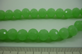 [ 8462 ] 8 mm. Glas kraal, appeltjes Groen, per streng