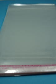 *[ 8278 ] Cellofaan zakjes 15.5 x 19.5 cm. Blank, 100 stuks