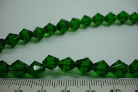 [ 6778  ] Conisch geslepen Glaskraal 8 mm. Groen, per streng