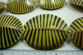[ 10009 ] Zebra Pecten 46 x 38 x 13 mm. Yellow/Black, per streng