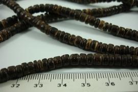 [ 6362 ] Schijfjes  3.7 x 5.4 mm. Hout,  5 strengen á 40 cm.