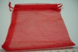 [ 6159 ] Organza zakjes 9.5 x 10.5 cm.  Rood, per 5 stuks