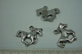 [0684 ] Paardje metaal, 13 x 19 mm. per stuk