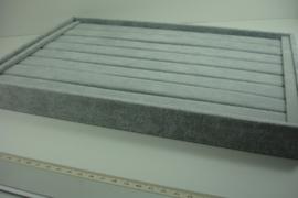 *[ 9318 ] Ringenbak open 35 x 24 cm. Grijs Fluweel
