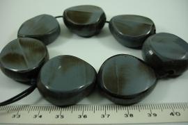 [ 6352 ] Kunsstof kraal 31 mm. Grijs D. Grijs, 7 stuks