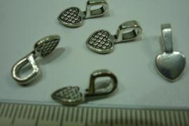 [5604 ] Ornament Hanger 8 x 8 mm. Hart Zilverkleur, per 5 stuks