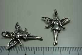 [ 0936 ] Tinkelbel Elfje 26 mm.  Metaal Zilverkleur, per stuk