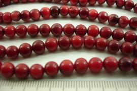 [ 8574 ] Koraal rood gekleurd 6 mm. per streng 41 cm.