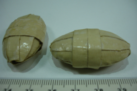 [ 6638 ] Bamboe kraal dik ovaal 43 x 24 x 15 mm. per stuk