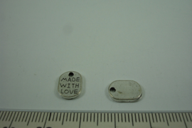 "[ 1281 ] Label met tekst "" made with love"" 11 x 8 mm. Zilverkleur, per stuk"