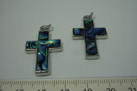 [0701 ] Paua schelp kruisje, 34 x 21 mm. per stuk