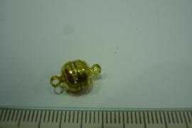[ 6392-B ] Magneet slotje  8 mm. met ribbel, Goud kleur, per stuk