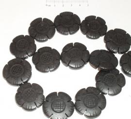 (5022) Kralenstreng hout gekleurd kokos, 28 x 3 mm.