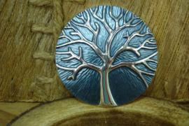 +[ 6294 ] Magneet Broche; Levensboom 5 cm. Staal Blauw met Zilveren Boom