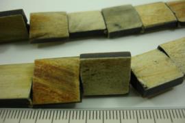 [ 6994 ] Hoorn kralen 15 x 15 mm. Licht  Bruin/Beige, per 26 kralen