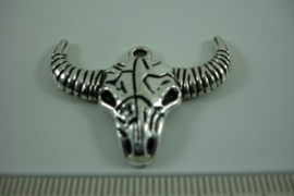 [ 1262 ] Buffelkop  36 x 27.5 mm. Zilverkleur, per stuk
