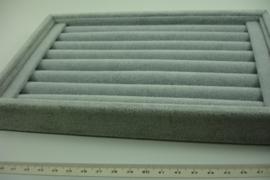 *[ 9337 ] Ringen bak open Klein, 7 lijnen van 18 cm. Grijs fluweel