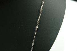 [ 8547 ] Arm bandje 22 cm. ; ketting 2 mm. met balletje 2½ mm.