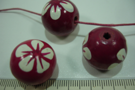 +[ 8701 ] Houten kraal 20 mm. D. Roze met witte bloem, per streng