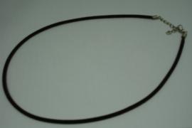 [5706 ] Ketting met slotje, Bruin Fluweel, 46 cm.