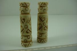 +[ 7047 ] Been toren kraal Luxe +/- 7.5 cm. Crème kleur, per stuk