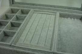 *[ 9322 ] Opbergbak met deksel 35 x 25 cm.  Grijs Fluweel