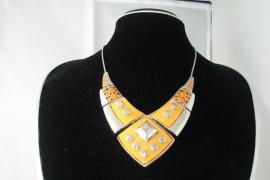 [OR,012] Hals Ketting Oranje Metaal type 1