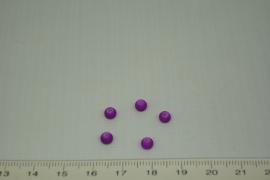[0368 ] Glas kraal met rubber 4 mm. Paars