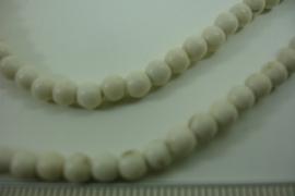 [ 6429 ] Howliet creme 4 mm.  per streng van 40 cm.