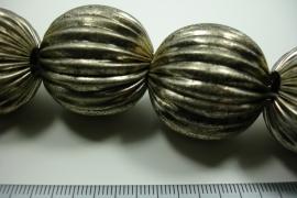 [ 6284 ] Licht Metaal kraal 30 mm. Oud Zilver, streng van 4 stuks