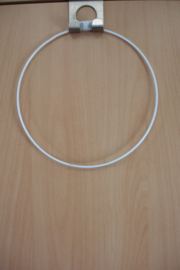 [ 8675 ] Ring 15 cm. metaal met wit omhulsel, per stuk