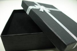 *[ 9128 ] Kado doosje 8 x 11 x 3 cm. Zwart, per stuk